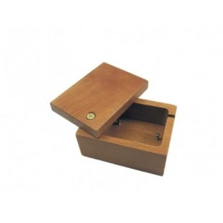 Medinė dėžutė smulkmenoms